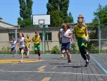 Юні баскетболісти на фестивалі з міні-баскетболу на березі Чорного моря