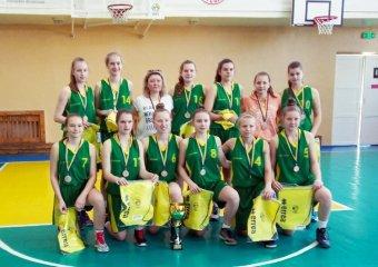 Дівчата 2004 року народження - бронзові призери юнацької баскетбольної ліги!