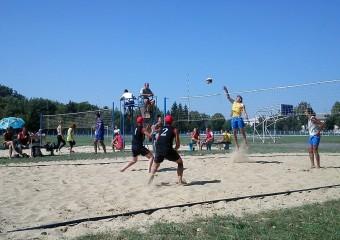 Протягом липня наші волейболісти взяли участь в ряді змагань
